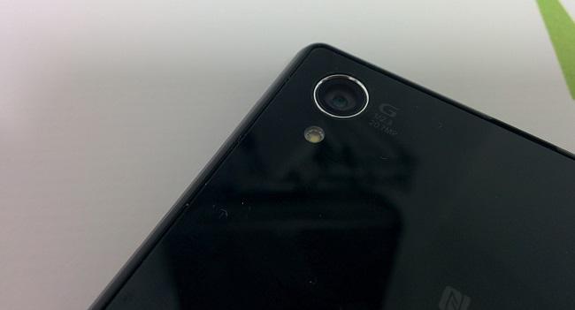"""[NO OS LO PERDÁIS] Review del Android con """"mejor"""" cámara del mundo, Sony Xperia Z1"""