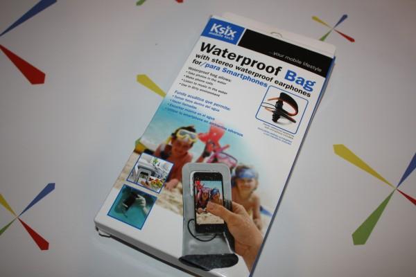 [ANÁLISIS] Funda para smartphone con protección contra el agua, arena y nieve de la marca Ksix, cedida por tecnologiamovil.net