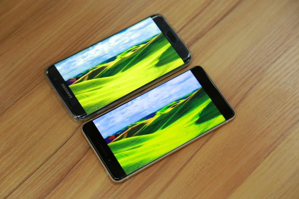 Ulefone Future sin marcos en fotos comparado con Samsung Galaxy S7 Edge